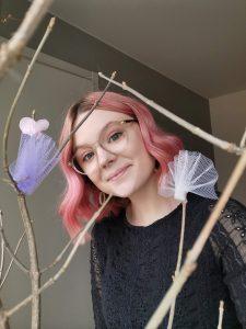 glad i mitt rosa hår